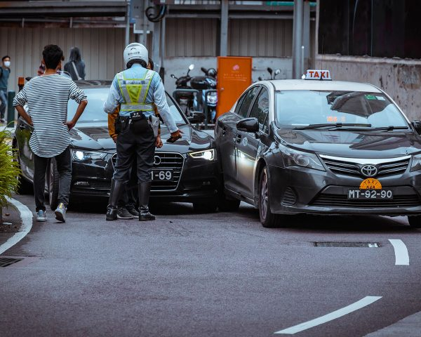 Pressure from work calls during the pandemic increases the risk of a traffic accident